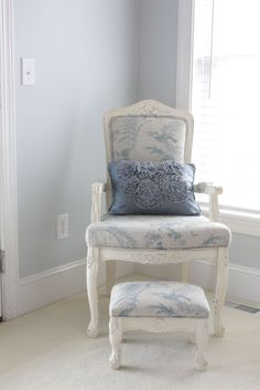HUMMM LIKING THE PAINTED PART....THINKING WOULD BE FUN TO DO ON CHAIR IN BED ROOM