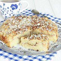 En snabbgjord, riktigt mjuk och saftig kaka med smak av kanelbulle.
