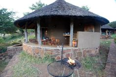 perfect African Hut, Flat Plan, National Park Lodges, Farm Plans, Tiny House Plans, Resort Style, Travel And Tourism, Boro, Cool Places To Visit