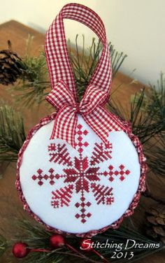Stitching Dreams: 2013 Parade of Ornaments