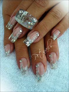 Matching nail art with nail polish jewelry. Clear nails and sparkling nail art design Glam Nails, Hot Nails, Fancy Nails, Stiletto Nails, Trendy Nails, Beauty Nails, Hair And Nails, Ongles Bling Bling, Bling Nails