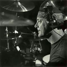 Neil Peart - the only man in rock who could wear a hat like that and make it work. Rush Concert, Rush Band, Geddy Lee, Neil Peart, Greatest Rock Bands, Three Wise Men, How To Play Drums, Drummers, 1970s