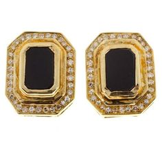 Pre-owned 18K Yellow Gold with Black Onyx & Diamond Clip Post Earrings (194.940 RUB) ❤ liked on Polyvore featuring jewelry, earrings, black onyx earrings, round earrings, black onyx gold earrings, black onyx diamond earrings and yellow gold diamond earrings