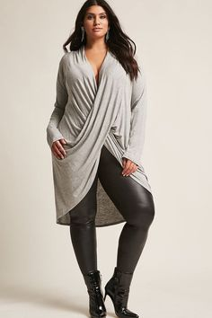 Broaden your wardrobe with Forever 21 plus size tops! Browse short and long sleeve, graphic tees, bralettes, and button-down plus size tops for women! Plus Size Shirts, Plus Size Jeans, Plus Size Tops, Curvy Outfits, Sexy Outfits, Fashion Outfits, Casual Outfits, Womens Fashion, Look Plus Size