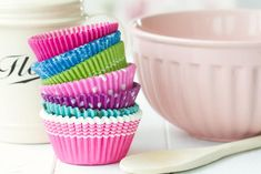 How many cups in a quart, pint or gallon OR what is the difference between dry and liquid measuring cups, you've come to the right place! #kitchen #baking #bakingtips #conversions #allthingsmamma Cupcake Cases, Cupcake Liners, Cupcake Wrappers, Cake Recipes, Dessert Recipes, Paper Cupcake, Cake Tasting, Cupcakes, Box Cake
