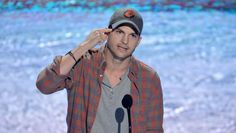 Ashton Kutcher reveals real name, gives incredible speech at Teen Choice Awards