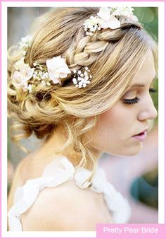 {Things I Love Thursday} Flower Headpieces || Pretty Pear Bride