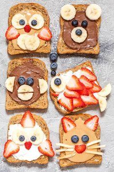 Lustiges Tier stellt Toast-Festlichkeiten gegenüber  #festlichkeiten #gegenuber #lustiges #stellt #toast