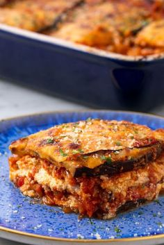 Eggplant Lasagna This is the vegetarian lasagna you've been searching for. Get the recipe from Delish. Pasta Recipes, Low Carb Recipes, Vegetarian Recipes, Cooking Recipes, Healthy Recipes, Dinner Recipes, Turkey Recipes, Easy Weeknight Meals, Easy Meals