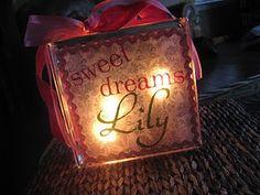 Life {Sweet} Life: DIY: Personalized Night Light - has tutorial Glass Block Crafts, Glass Blocks, Vinyl Projects, Craft Projects, Project Ideas, Craft Gifts, Diy Gifts, Holiday Crafts, Christmas Diy