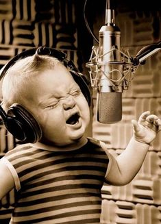 """the-man-in-the-wind: """" 'Oh, oh, oh, oh Sweet child o'Mine!!' """""""
