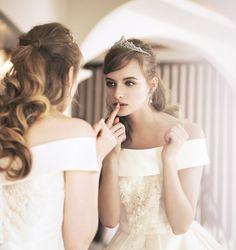 一押しのエレガントスタイルドレス | STAFF BLOG Beautiful Costumes, Beautiful Gowns, Beautiful Bride, Bridal Hair Roses, Wedding Images, Wedding Styles, Wedding Accessories, Wedding Hairstyles, Marie