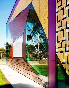 AVONDALE HEIGHTS LIBRARY, MELBOURNE  artist inspired library is an audacious spectacle...