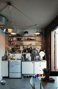 15 แบบ Tiny kitchen ครัวเล็กแต่มีสไตล์