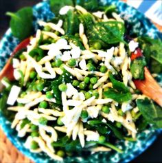 Simply delicious-Rezept: Pasta-Erbsen-Spinat-Salat Pasta / Peas / Spinach and Feta cheese Spinach And Feta, Pasta Salad, Cheese, Ethnic Recipes, Blog, Spinach Salads, Crab Pasta Salad, Blogging
