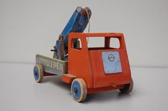 Ado toy car 'Autosleper' by Ko Verzuu 1950