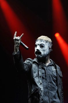 Corey Taylor of Slipknot Nu Metal, Rock Y Metal, Black Metal, Metal Art, Heavy Metal Music, Heavy Metal Bands, Rock And Roll, Slipknot Band, Slipknot Quotes