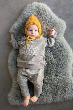 baby brand, baby fashion, kids fashion, baby clothing, minimal kidswear, childhoodphotography Kids Fashion, Babies Fashion, Mini Me, Senior Pictures, Crochet Hats, Photoshoot, Poses, Bro, Creative