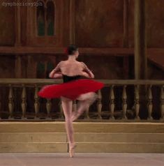 dysphoricsylph: Natalia Osipova in Don Quixote, when she was still at the Bolshoi I watched this for five mins before realizing it wasn't a video Ballerina Dancing, Ballet Dancers, Bolshoi Ballet, Ballerinas, Dance Photos, Dance Pictures, Princesa Tutu, Dance Oriental, Dance Like No One Is Watching