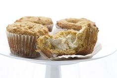 Pumpkin Cream Cheese Muffins make the perfect keto breakfast or snack! This super popular low carb muffins recipe has been updated with a how-to video. Get the recipe here! Gluten Free Pumpkin, Healthy Pumpkin, Gluten Free Desserts, Keto Desserts, Keto Recipes, Protein Desserts, Pumpkin Pumpkin, Bread Recipes, Healthy Recipes