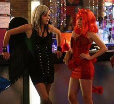 Peyton as an Drake Angel u0026 Brooke as the she Devil  sc 1 st  Pinterest & Brooke Davis as a She-Devil in episode 3x04 -