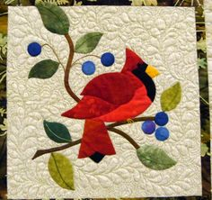 From the Strawberry Patch.very cute red bird and blue berries! Bird Patterns, Applique Patterns, Quilt Patterns, Applique Designs, Bird Applique, Applique Quilts, Penny Rugs, Small Quilts, Mini Quilts