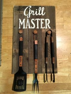 Pallet Kitchen Tool Rack - Why We Love Pallet Projects (And You Should, Too!) | Pallet Furniture DIY - Part 3