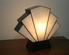 Lamp Art Deco stained glass Tiffany Flabellum white