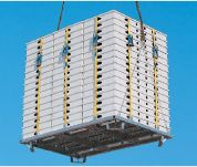 PERI:Large SKYDECK pallet allows squared of formwork surface to be moved in one crane lift