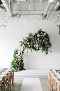 「最愛の人」それは今となりにいるあなた。そして、これまでの人生を一緒に歩んでき… Diy Wedding Flowers, Flower Bouquet Wedding, Floral Wedding, Floral Backdrop, Floral Arch, Ceremony Decorations, Flower Decorations, Wedding Images, Wedding Designs