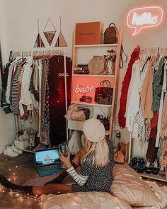 The Biggest Myth About Cozy Dorm Room Ideas Exposed #dormroomideas #dormroomforgirls #dormroomdesigns » aesthetecurator.com