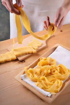 pl on Stylowi. Pasta Recipes, Snack Recipes, Cooking Recipes, Snacks, Polish Recipes, Polish Food, Homemade Pasta, Good Food, Food And Drink