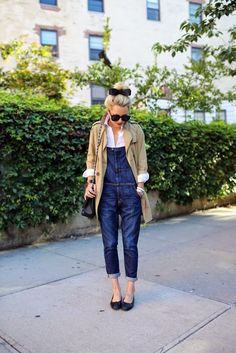 TGIF with some overalls, a classic white button up, and a trench. And a cute black bow for the hell of it :)