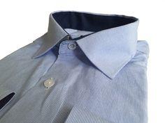 Голубая мужская рубашка в полоску прямого кроя по супер выгодной цене 1990 руб руб, с бесплатной доставкой по Москве и России без предоплаты. В наличие размеры 2XL, M, L, 4XL, 3XL, XL, приезжайте к нам в магазин!