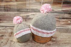 Tuque Tricotée à La Main Style Bas de Laine par TuquesEtBoutons Tricot Pour  Chien, Bonnet 367ba4402e0