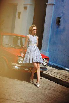 Dresses vintage inspired, pin up, vintage love, retro vintage, vintage dres Vintage Outfits, 1950s Outfits, Vintage Inspired Dresses, Vintage Dresses, Dress Dior, Dress Up, Belted Dress, Flare Dress, Pin Up Retro