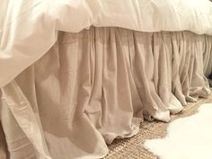 Sew Curtains DIY No Sew Drop Cloth Bed Skirt. I would use Velcro strip instead of tacks so it could be washed. - She nails drop cloth to a plywood frame. The reason? LOVE this idea! No Sew Curtains, Drop Cloth Curtains, Rod Pocket Curtains, Curtains Living, Cream Curtains, Beige Curtains, Patterned Curtains, Layered Curtains, Purple Curtains
