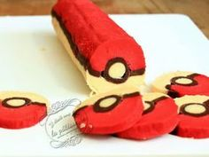 Biscuits Pokeball {Pokémon Go !} – Pokémon Games – Pokémon Anime – Pokémon GO Pokemon Themed Party, Pokemon Birthday Cake, Geek Birthday, Birthday Parties, Pokemon Cupcakes, Pokemon Torte, Pokemon Go, Nintendo Pokemon, Pokemon Photo