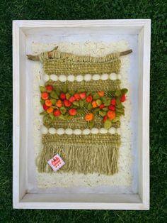 Emma - Almacén de cosas lindas: CUADROS & MURALES Weaving Textiles, Weaving Art, Tapestry Weaving, Loom Weaving, Hand Weaving, School Art Projects, Crazy Colour, Fiber Art, Lana