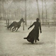 Snowy Scene Horse and Woman Running Snow Snowfall Woods Forest Moon Light Old 1899 Vintage Black and White Victorian Photography Photo Print Vintage Abbildungen, Photo Vintage, Vintage Black, Vintage Winter, Vintage Pictures, Old Pictures, Old Photos, Vintage Images, Fotografia Social