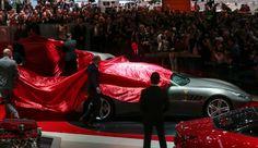 """POTENCIA Y LUJO. Abrió sus puertas el Salón del Automóvil de Ginebra, Suiza. La muestra, que se prolongará hasta el 13 de marzo, promete """"más de 120 novedades mundiales y extranjeras"""" y mantiene en alto su reputación de vitrina de automóviles..."""