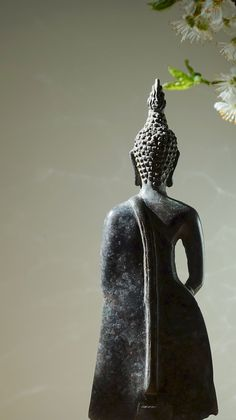 """""""Let today be the day you stop being haunted by the ghost of yesterday. Holding a grudge & harboring anger/resentment is poison to the soul. Get even with people...but not those who have hurt us, forget them, instead get even with those who have helped us."""" ~ Steve Maraboli <3 lis Standing Buddha, Eastern Philosophy, Zen Space, Buddha Zen, Statue, Serenity, Sculpture, Antiques, Goddesses"""