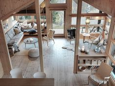 Utsikt til stue fra hems Cabin Design, House Design, Garage Guest House, Mountain Decor, Cottage Interiors, Little Houses, Log Homes, My Dream Home, Home And Living