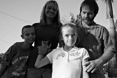La niña en la ventana  Sufrió uno de los casos más escandalosos de negligencia, pero encontró unos padres adoptivos que la han ayudado a seguir adelante