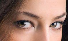Η απίστευτη πανεύκολη μάσκα ματιών για το πόδι της χήνας που δεν φαντάζεσαι!
