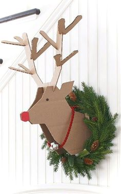 Awesome 50 Easy DIY Christmas Decorations Ideas on a Budget https://roomaniac.com/50-easy-diy-christmas-decorations-ideas-budget/