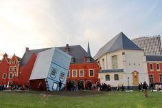 """festival Fantastic 2012, """"Ilôt comtesse"""" est une installation renversante de l'artiste plasticien Jean-François Fourtou"""