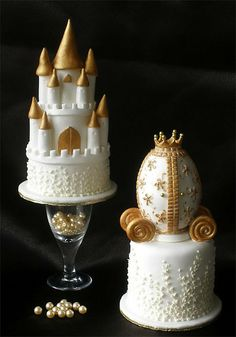 petits gâteaux château et charriot de marriage / Small Wedding Castle & Carriage Cakes