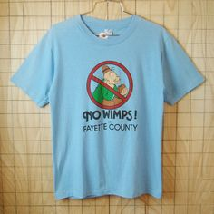 【ARTEX】古着USA製ライトブルー(水色)NO WIMPS! in FAYETTE COUNTYプリントTシャツ|メンズM