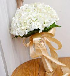 Wedding flower artificial flower bridesmaid bride holding flowers guelder bountyless multicolor #Affiliate